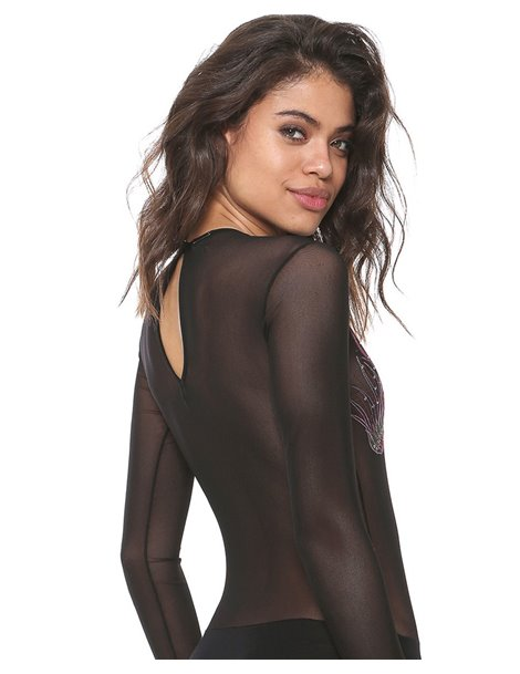 Body transparente con bordados.